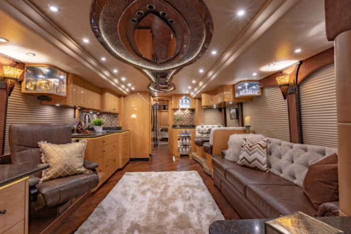 Coach Stock 718 Interior