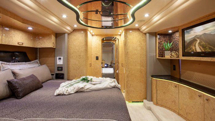 Coach Stock 735 Interior Bed